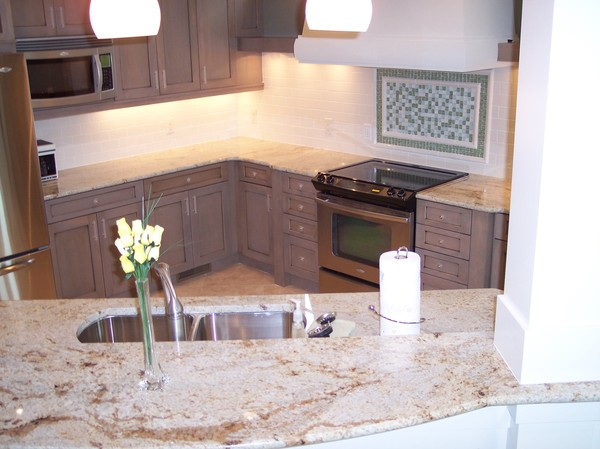 Kitchen Backsplash - Central Tile & Terrazzo - Granite | Carpet